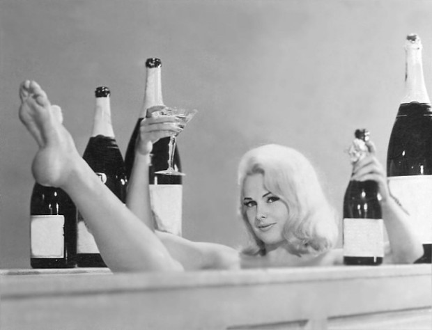 prosecco-woman-in-bathtub-blog.jpg